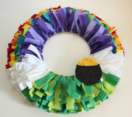 attach pot of gold to wreath