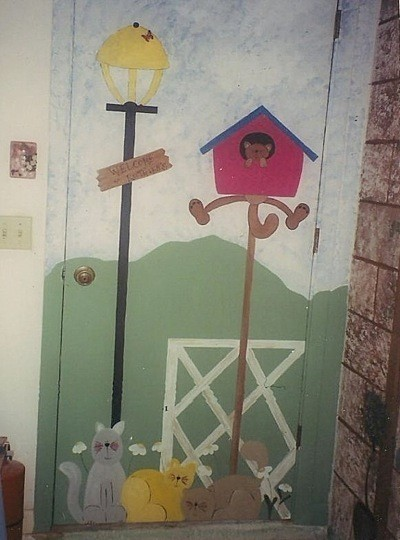 Birdhouse and lamp post.