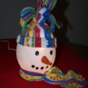side view of ivy bowl snowman showing the nose in profile