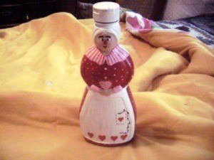 Mrs. Butterworth Valentine syrup bottle given a Valentine motif
