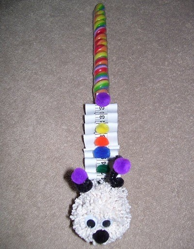 pipe cleaner inch worm lollipop