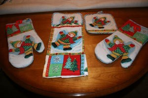 Christmas Mitts and Potholders