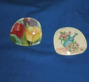 Gardening and flower motif painting glued on lens.