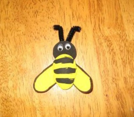 Bumble bee magnet.