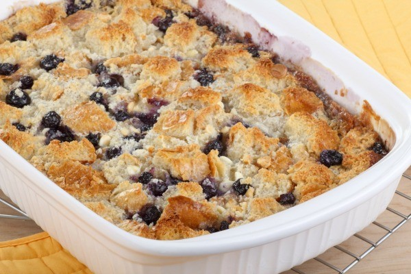Easy Blueberry Crisp With Cake Mix And Canned Blueberries