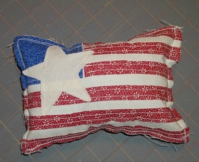 Primitive Applique Flag Pillows - Finished flag pillow.