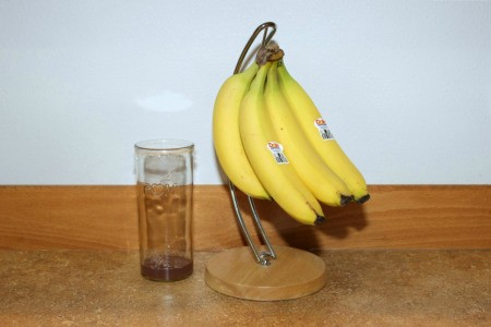 trap next to bananas