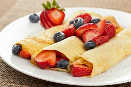 Crepes with fruit.