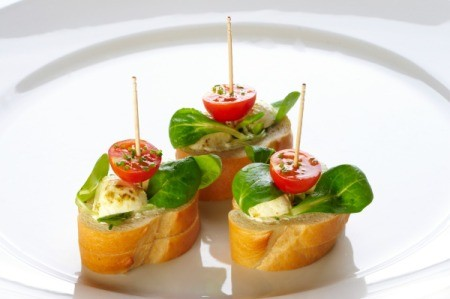 Canape bread recipes thriftyfun for Canape toppings ideas