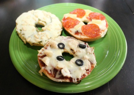 finished bagel pizzas