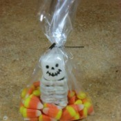 Pretzel Skeleton Treat Bags