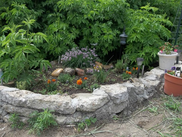Urbanite Raised Garden Beds