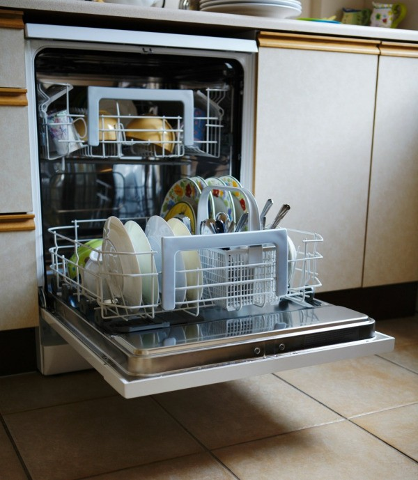 how to clean dishwasher with bicarb