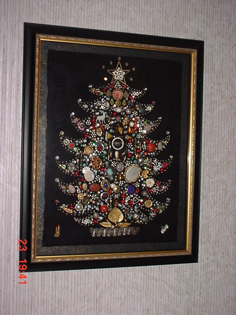 Costume Jewelry Christmas Tree Thriftyfun