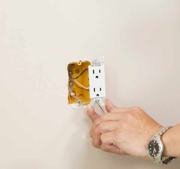 changing an outlet