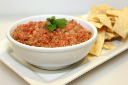 salsa with chips 2