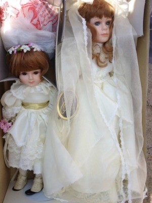 Bride and flowergirl dolls.