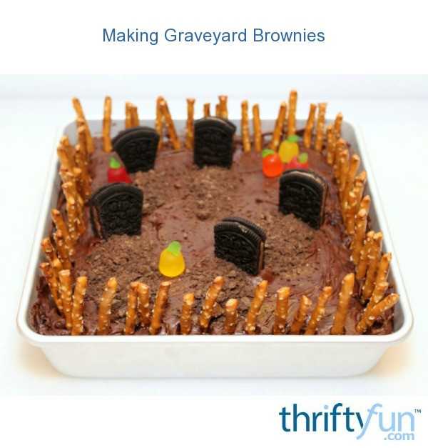 Making Graveyard Brownies | ThriftyFun