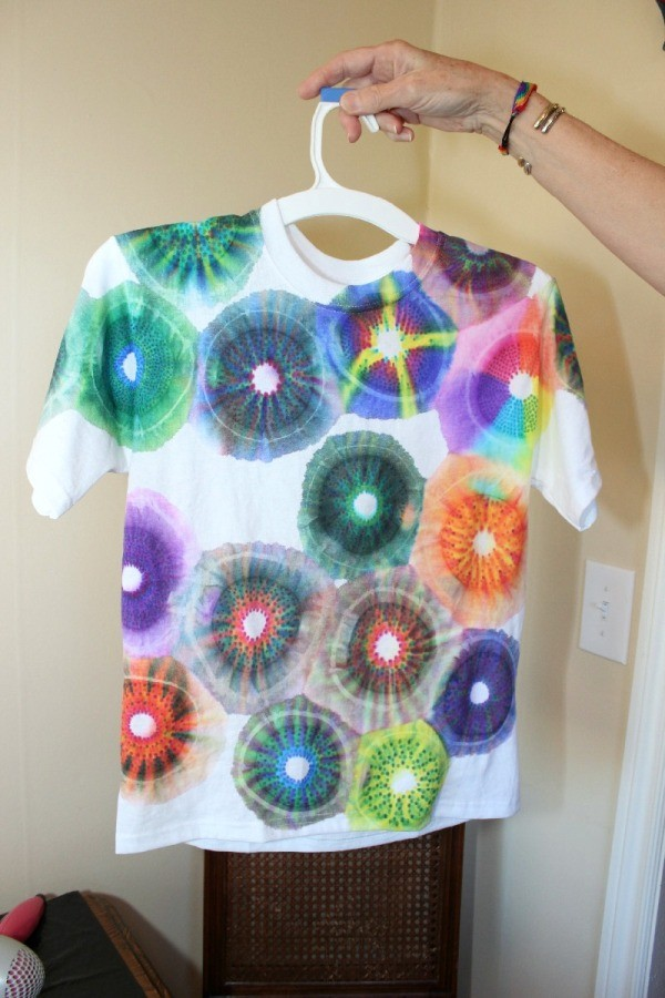 Making a sharpie tie dyed t shirt thriftyfun for Making a tie dye shirt