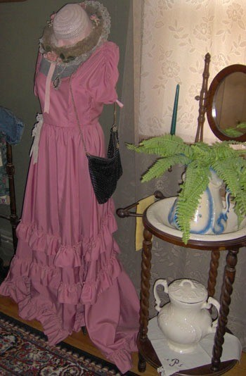 Form with pink dress.