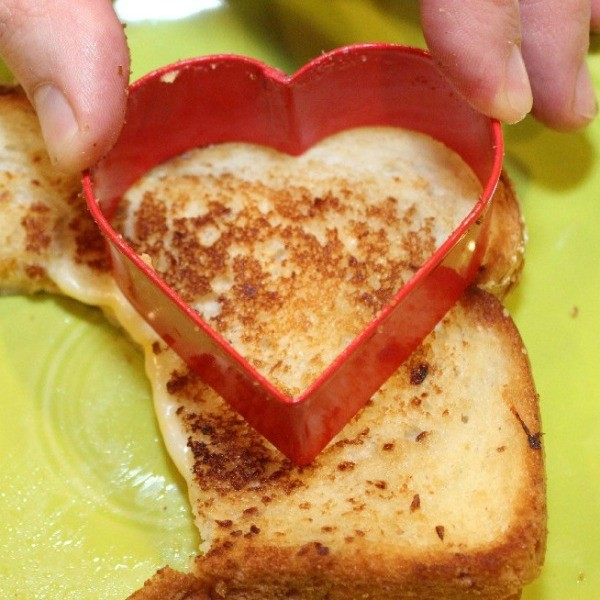 Grilled Cheese Hearts | ThriftyFun