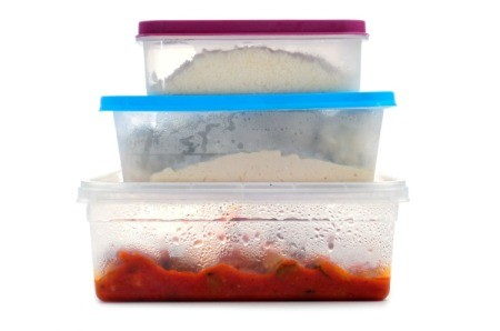 how to get stains out of tupperware