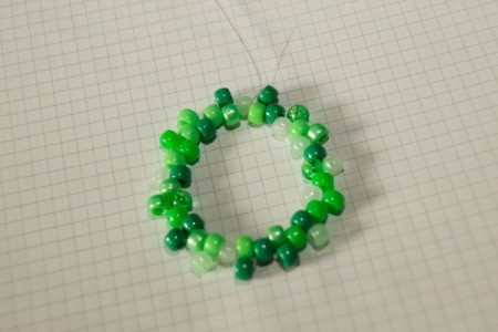 Beaded Minecraft Creeper Cuff - The first row of the bracelet