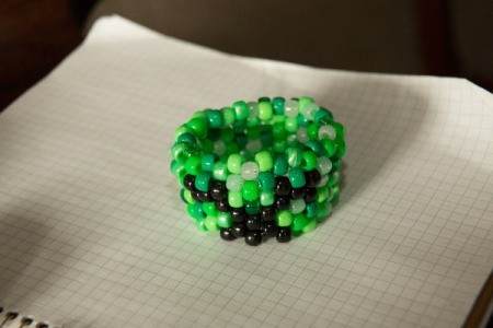 Beaded Minecraft Creeper Cuff - beading the bracelet