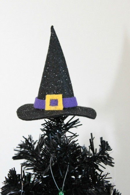 witch hat as tree topper 1
