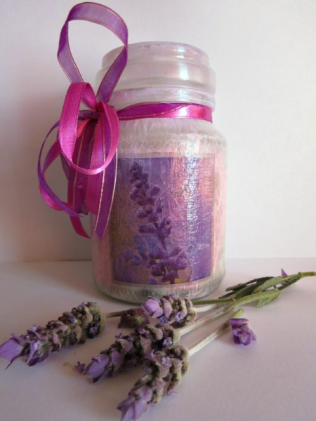 finished decorated jar with sprigs of lavender
