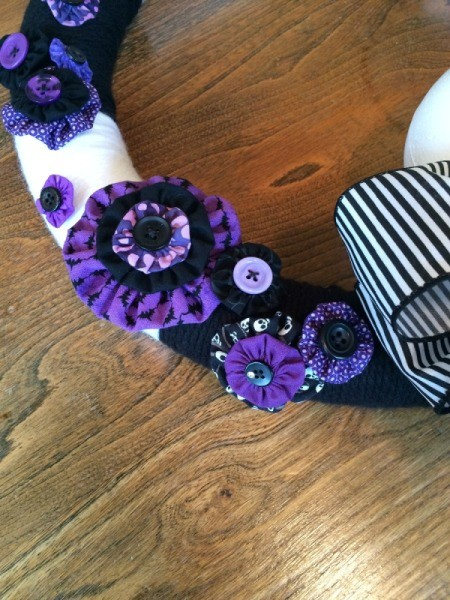 Nightmare Before Christmas Yarn Wreath | ThriftyFun