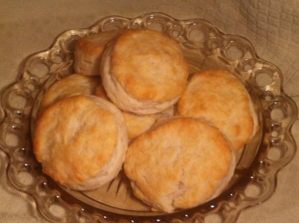 Loretta Lynn's Cat-Head Biscuits | ThriftyFun