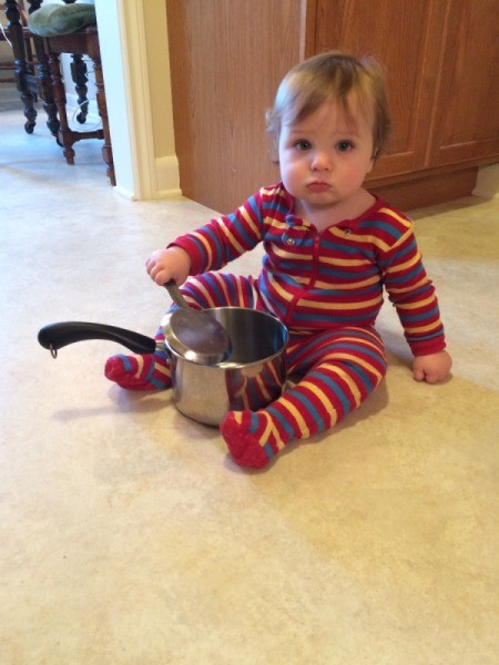 baby with pot