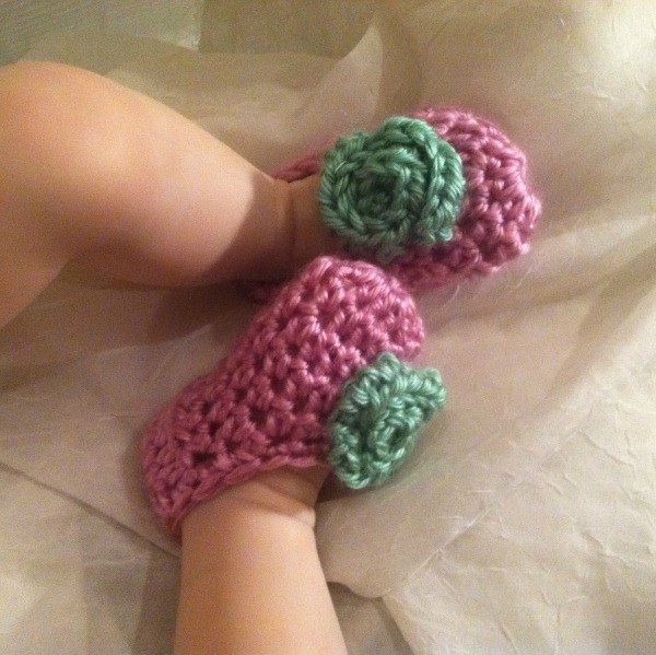 Easy Newborn Crocheted Booties