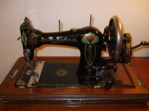antique crank sewing machine