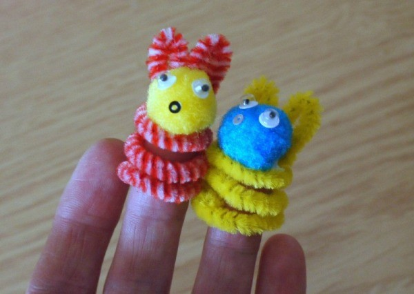 Pipe Cleaner Bunny Finger Puppets