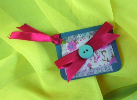 finished gift tag on lime green background