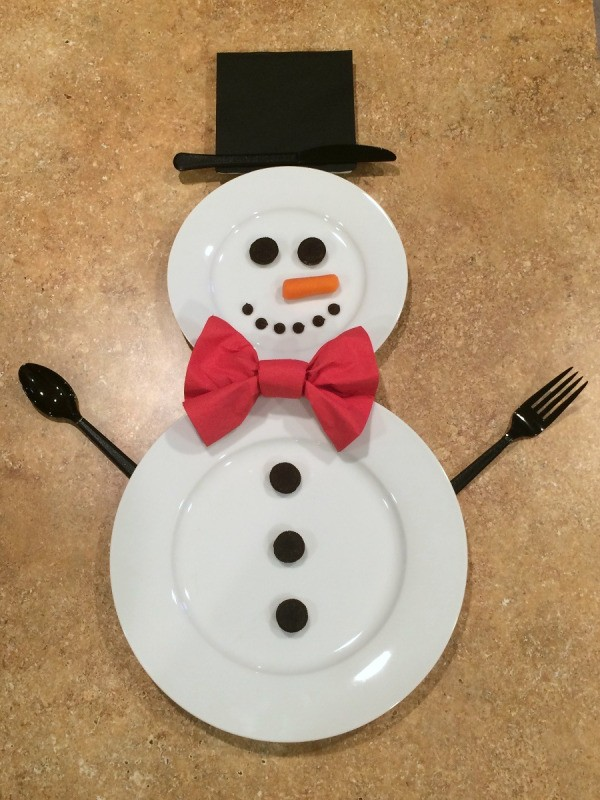 Making a Snowman Place Setting | ThriftyFun