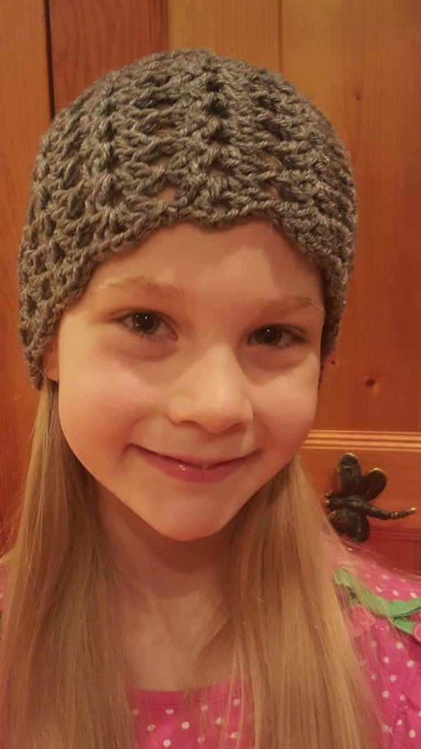 Girl's Fan Patterned Crochet Hat