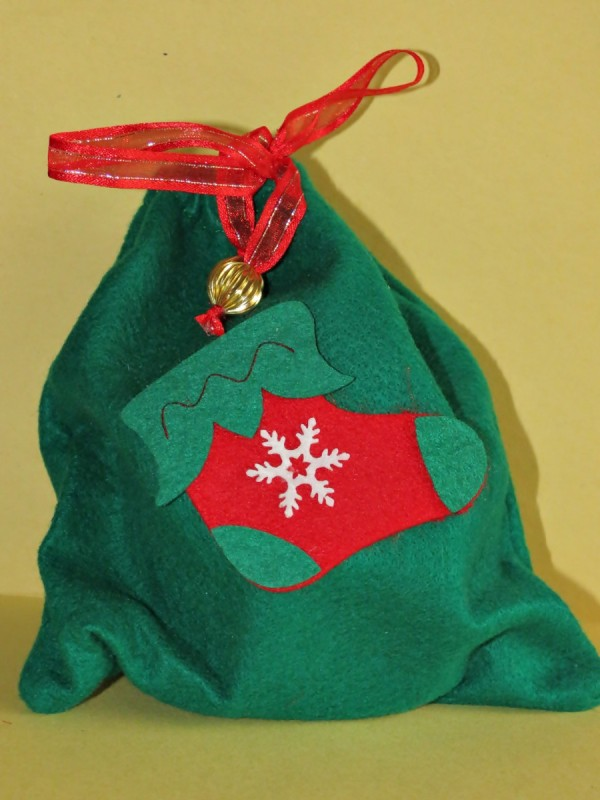 Easy Felt Stocking Filler Bag