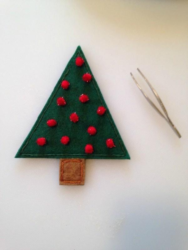 Felt christmas tree treat holders thriftyfun for Christmas tree holder