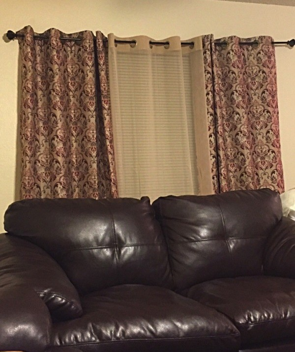 Curtain color advice to complement beige walls thriftyfun for What color curtains go with beige walls and dark furniture