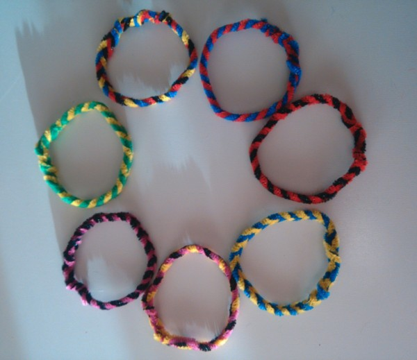 Making Pipe Cleaner Bracelets Thriftyfun