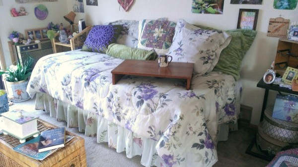 Converting a Twin Bed into a Day Bed