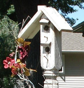 Recycled_Birdhouse289x300.jpg