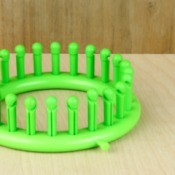 Green Knifty Knitter Circle Loom