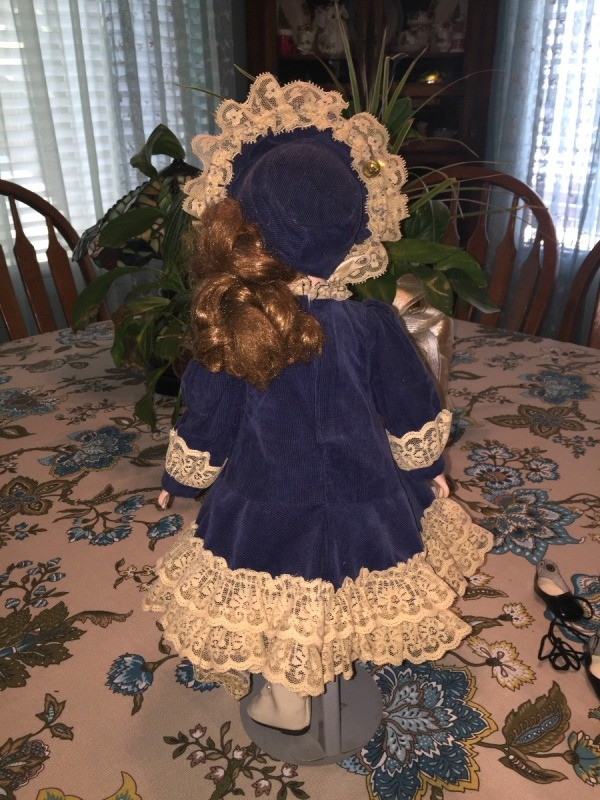 Finding the Current Value of Porcelain Dolls  ThriftyFun