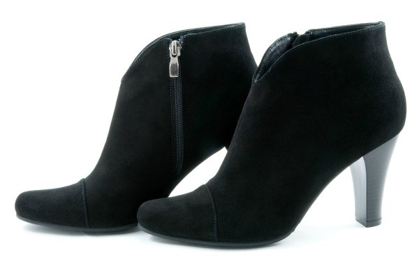 Black women's heeled suede booties