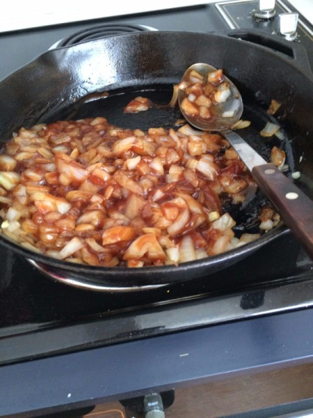 Skillet Chicken with Barbecue Onion