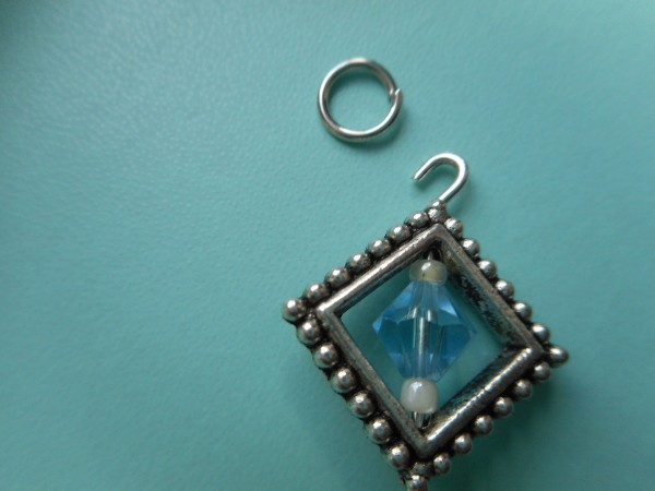 how to make a keychain with beads and charms